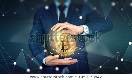 férfi · bitcoin · mobiltelefon · közelkép · kezek · érme - stock fotó © stevanovicigor