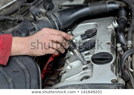 Automotive monteur ontsteking auto benzine Stockfoto © simazoran