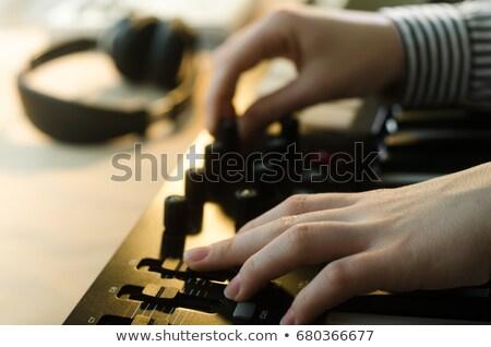 Mãos mulher jogar órgão mão piano Foto stock © Lopolo