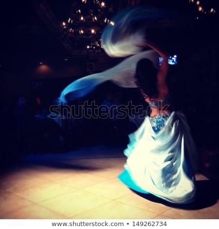 barriga · dançarina · dança · piso · branco · menina - foto stock © szefei