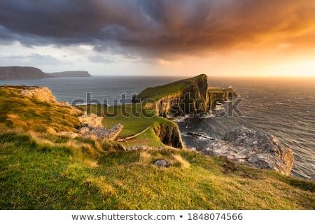 deniz · feneri · kaya · yalıtılmış · beyaz · gökyüzü · ev - stok fotoğraf © joyr