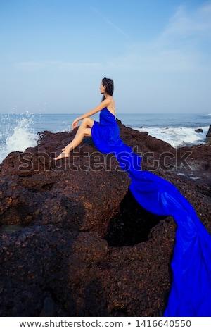 Сток-фото: чувственный · брюнетка · позируют · красивая · женщина · элегантный · красный