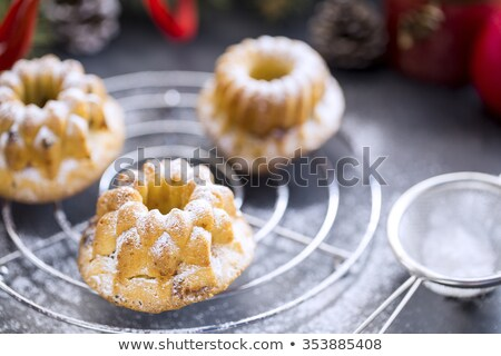 Mini kiraz kekler mumlar noel ağacı Stok fotoğraf © x3mwoman