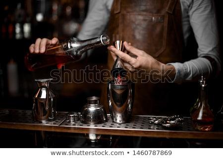 Barman travaux cocktails Ouvrir la boissons fête Photo stock © grafvision