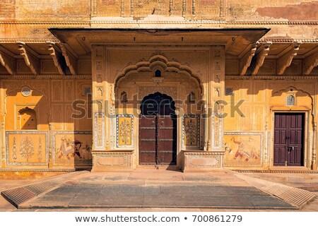 Eski kapı kırmızı kale Bina duvar Stok fotoğraf © calvste