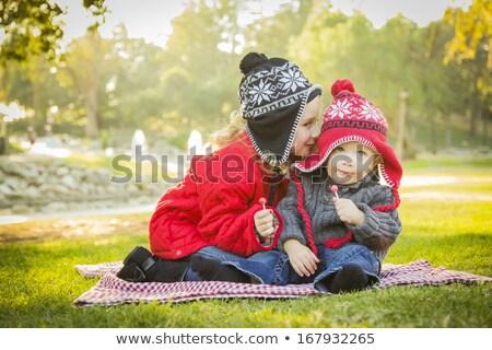gyerekek · suttog · titkok · botrány · pletyka · pár - stock fotó © lunamarina