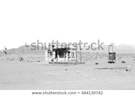 öreg stílus benzinpumpa sivatag Namíbia benzin Stock fotó © michaklootwijk