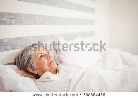 starszy · kobieta · relaks · domu · domu · portret - zdjęcia stock © monkey_business
