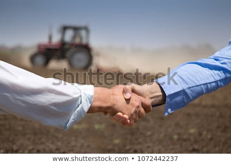 Agriculteur affaires serrer la main alimentaire homme réunion Photo stock © HighwayStarz