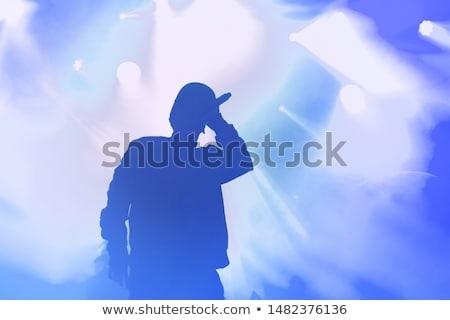 Stok fotoğraf: şarkı · söyleme · hüzün · gece · kulübü · şarkıcı · mikrofon · mavi