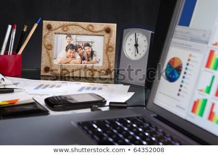 Mesa de escritório completo coisas tiro par vermelho Foto stock © nito