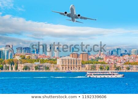 palacio · mar · Estambul · Turquía · agua · edificio - foto stock © borisb17