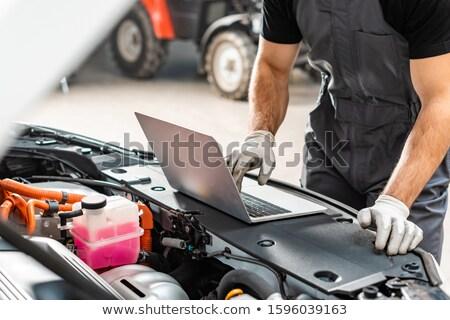 механиком используя ноутбук автомобилей гаража компьютер Сток-фото © wavebreak_media