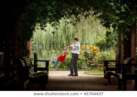 Apa lánygyermek nyár kert növény alagút Stock fotó © Paha_L