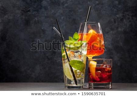 Tre classico cocktail occhiali tavolo in legno mojito Foto d'archivio © karandaev