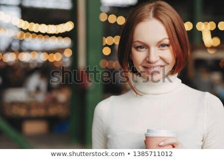 Afbeelding aantrekkelijk jonge vrouw bruin haar zacht glimlach Stockfoto © vkstudio