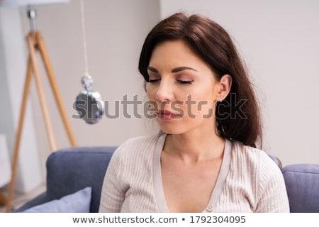 Psicologia hipnose pêndulo hipnótico tratamento homem Foto stock © AndreyPopov