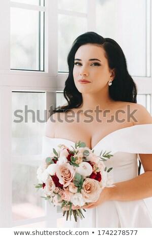 Belo noiva grande flor cabelo casa velha Foto stock © rosipro