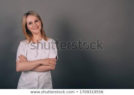 bastante · jóvenes · femenino · optometrista · examinar · ojos - foto stock © wavebreak_media