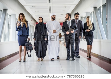 oriente · médio · homem · mulher · falante · reunião · de · negócios · trabalhando - foto stock © monkey_business