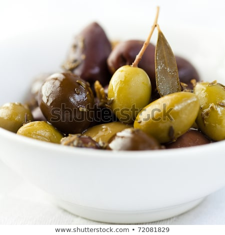 Gemarineerd olijven kruiden shot groene Stockfoto © Vitalina_Rybakova