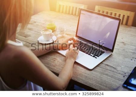 Femme distant conversation jeune femme affaires Photo stock © choreograph