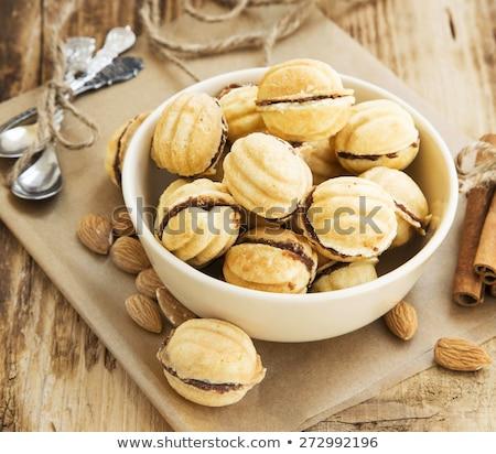 Croccante mandorla sandwich cookies biscotti vaniglia Foto d'archivio © Digifoodstock