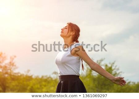Rückansicht · jungen · asian · Frau · stehen · Arme - stock foto © is2