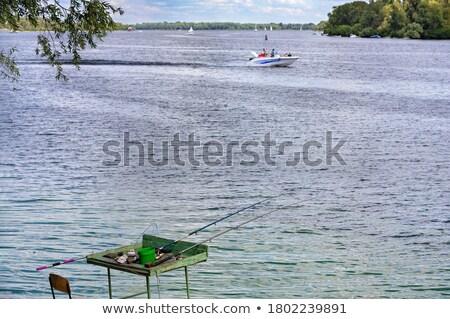 рыбалки · банка · Постоянный · сидят · рыбы - Сток-фото © robuart