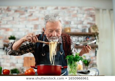 старший человека еды кухне счастливым улыбаясь Сток-фото © HighwayStarz