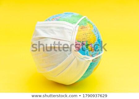 Stockfoto: Wereldbol · masker · China · coronavirus