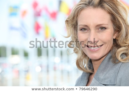 улыбающаяся · женщина · международных · расстояние · женщину · исполнительного - Сток-фото © photography33