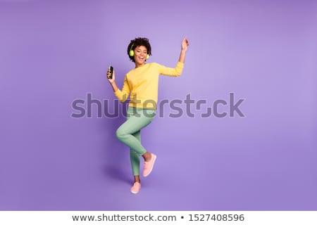Сток-фото: женщину · наушники · радостный · Солнцезащитные · очки · синий