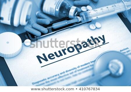 neuropatia · medycznych · sprawozdanie · pigułki · strzykawki · selektywne · focus - zdjęcia stock © tashatuvango
