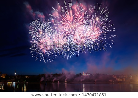 Pirotécnica noche mostrar vacaciones celebración fuegos artificiales Foto stock © alexaldo