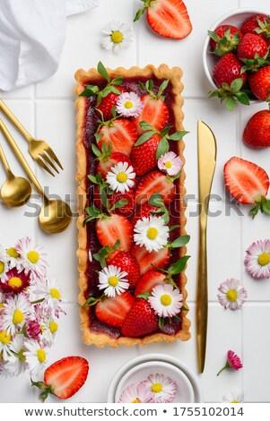 Nyami édesség friss virágok szív alak rózsaszín Stock fotó © BarbaraNeveu