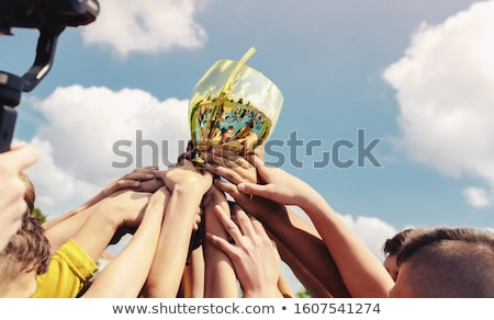 дети спортивная команда лифт вверх Кубок Сток-фото © matimix