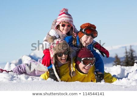 meisje · zonnebril · spelen · rond - stockfoto © darrinhenry