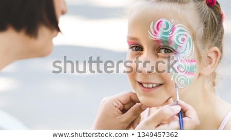 szczęśliwy · dziewczynka · malarstwo · ręce · przedszkole · dzieci - zdjęcia stock © kuzeytac
