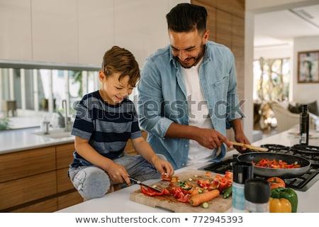 Fiú ételt készít család lány mosoly boldog Stock fotó © wavebreak_media