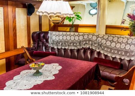 Mooie interieur eetkamer schip houten muren Stockfoto © kyolshin