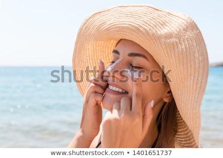 Foto stock: Feliz · mulher · jovem · maiô · protetor · solar · pessoas