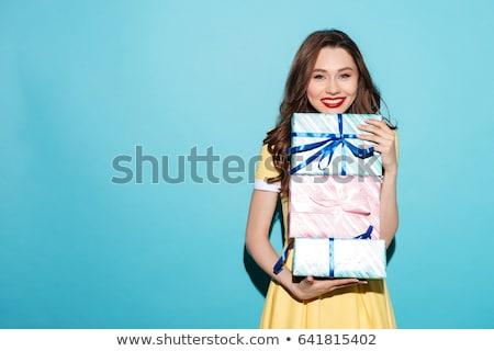 vrouwelijke · handen · Blauw · geschenkdoos · vrouw - stockfoto © ssuaphoto