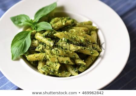 Foto stock: Espaguete · macarrão · pesto · molho · queijo · parmesão · fresco