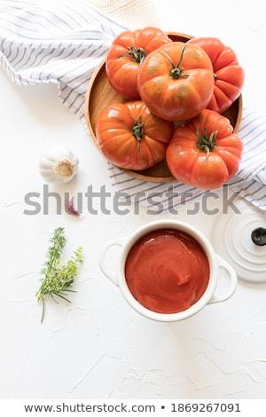 Bandeja fresco orgânico tomates branco Foto stock © DenisMArt