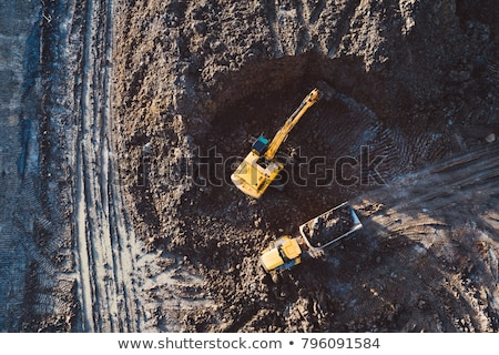 ekskavatör · kamyon · inşaat · toprak · kum - stok fotoğraf © shime