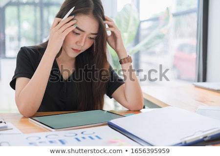 Foto stock: Empresário · dor · de · cabeça · cansado · homem · de · negócios · enxaqueca · azul