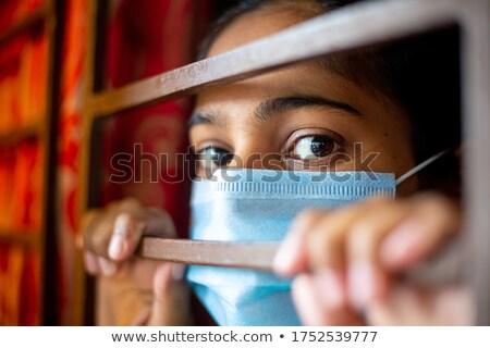 Nudzić patrząc dziewczyna dziedzinie dziecko młodzieży Zdjęcia stock © IS2