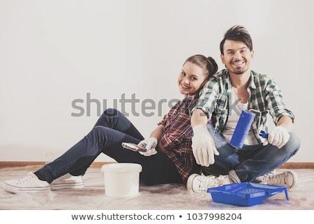 Dwie kobiety wiadro posiedzenia karton kobieta Zdjęcia stock © Kzenon