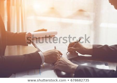 Empresario firma contrato primer plano foto negocios Foto stock © AndreyPopov